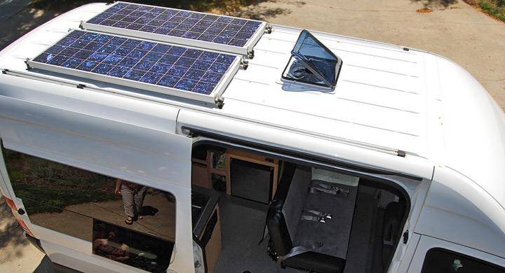 camper con paneles solares 100w 12v claraboya