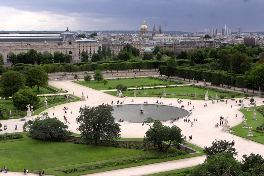 Jardín de las Tullerías dron aerea francia paris