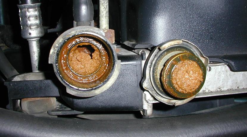 radiador coche furgoneta obstruido con aceite del carter